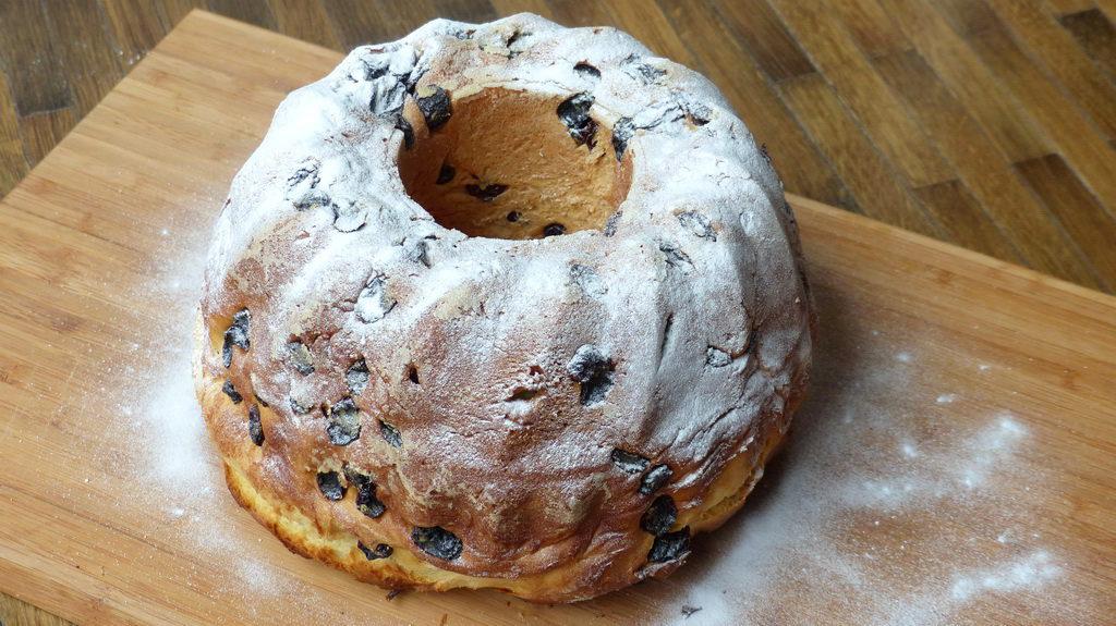 Leavened Bundt cake Gugelhupf